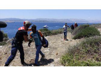 Boğaz Adası'nda Mahsur Kalan Göçmenlerin Tamamı Kurtarıldı