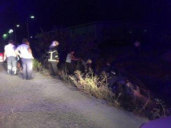 Muğla, Milas'ta Otomobil Şarampole Devrildi: 4 Yaralı