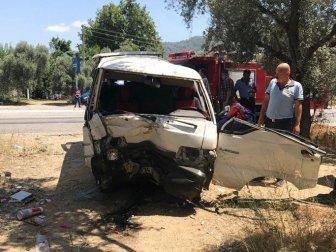 Muğla, Milas'ta Ağaca Çarpan Araç Takla Attı; 1'i Ağır(Güven Güner), 2 Yaralı