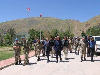 Milli Savunma Bakanı Hulusi Akar'ın Hakkari Ziyareti