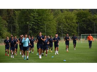 Medipol Başakşehir, Stuttgart Ve Leverkusen'le Karşılaşacak
