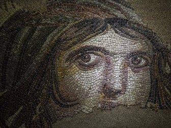 'Çingene Kızı' Mozaiğinin Gizemli Hikayesi