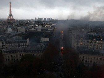 Başkent Paris'teki Son Gösterin Faturası Ağır Oldu