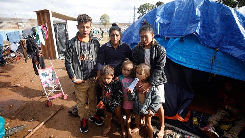 Meksika Devlet Başkanı Obrador Ve Trump Göçmenleri Görüştü