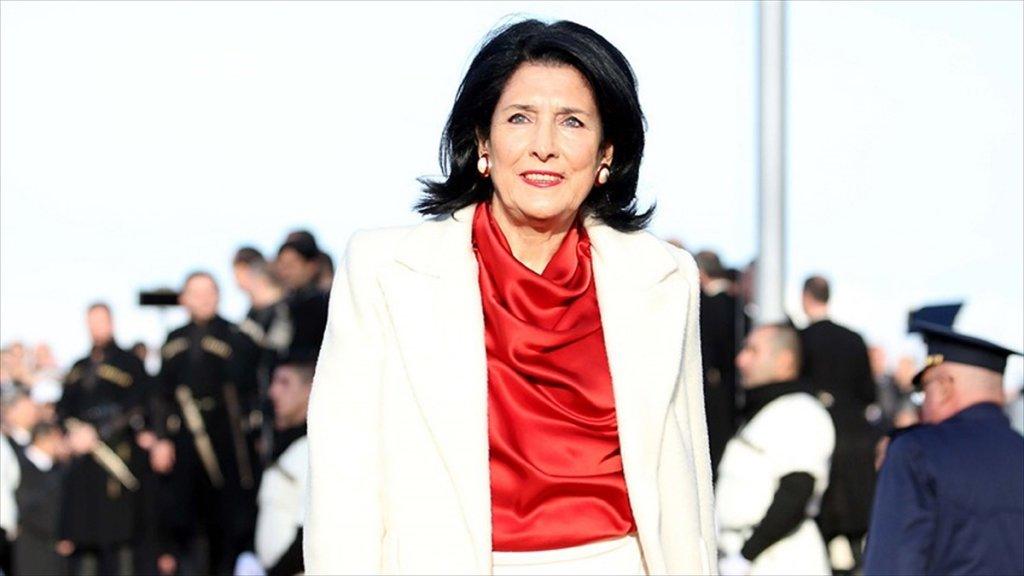 Gürcistan'ın İlk Kadın Cumhurbaşkanı Göreve Başladı