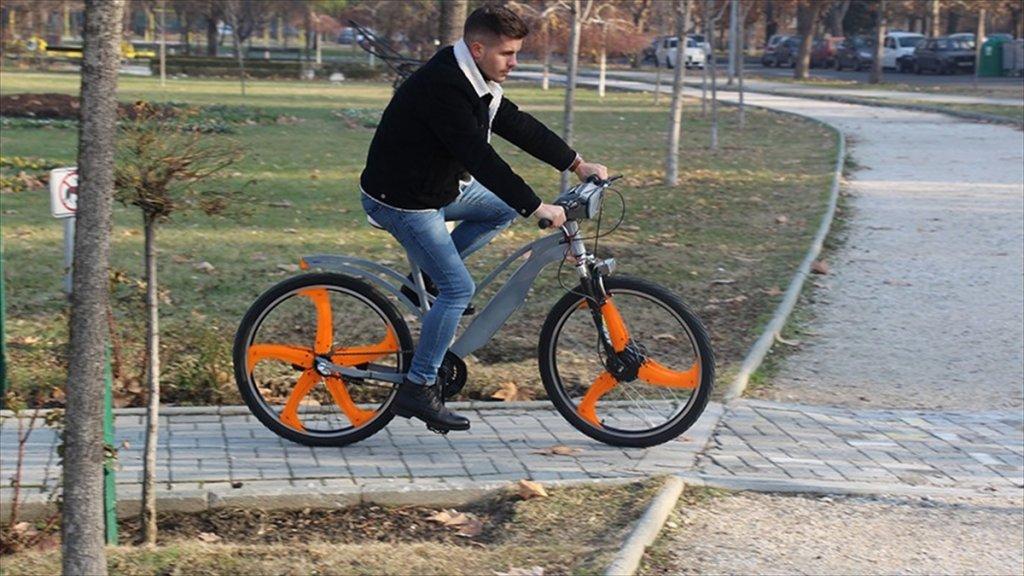 Makedonya'nın Havasını 'Filtreli' Bisikletler Temizleyecek