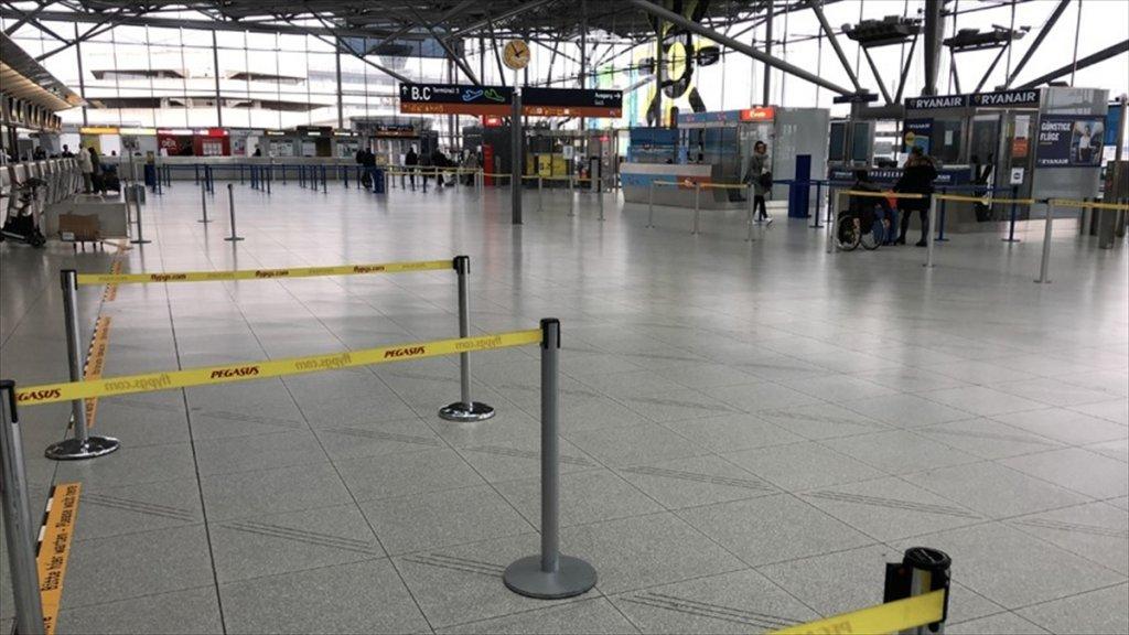 Almanya'da Havalimanı Güvenlikçilerinden Uyarı Grevi