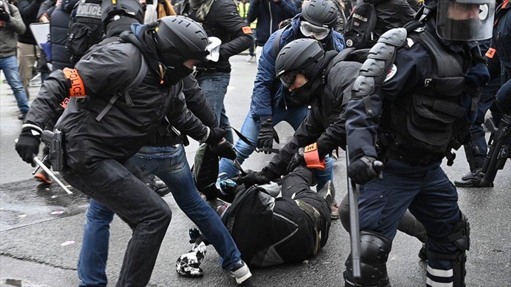 Fransa İçişleri Bakanından İtiraf