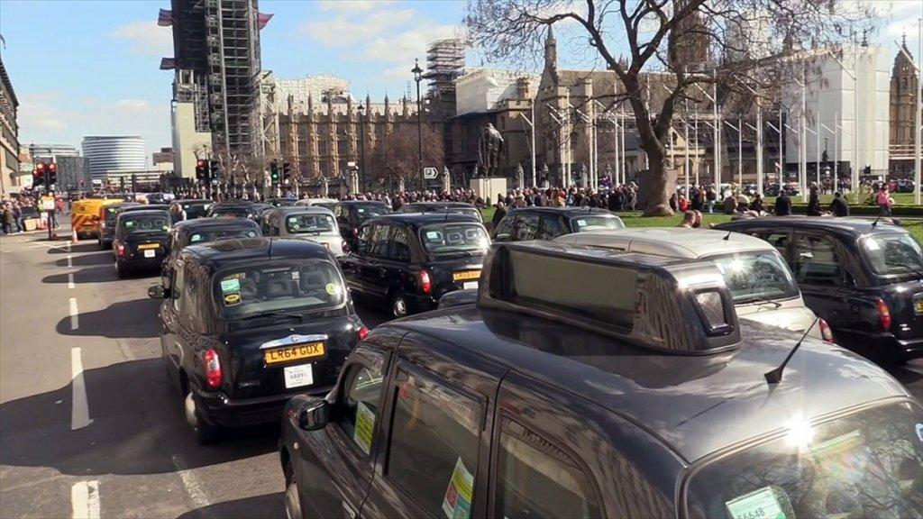 Londra'nın Taksicilerinden Brexit İsyanı