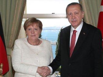 Erdoğan'dan Almanya Başbakanı Merkel'e Taziye Telefonu