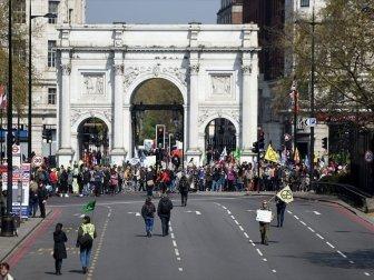 Londra'da 'Extinction Rebellion' Adlı Çevreci Grup Yolları Kesti