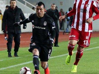 Beşiktaş'a Gary Medel Şoku