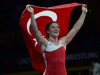UWW, Türk Güreşçileri Dünya Zirvesinde
