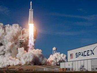 SpaceX, Dragon Kargo Mekiğinin Fırlatılışını Erteledi
