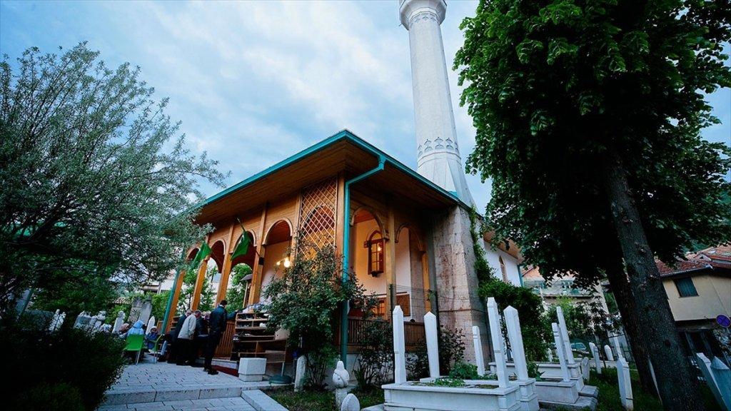 Saraybosna'nın Tarihi Camisinde 'Mahalle İftarı'