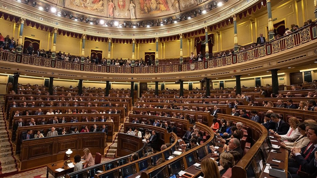 İspanya'da Yeni Yasama Dönemi Polemiklerle Açıldı