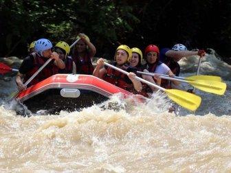 Yağışlar Raftingcileri Sevindirdi