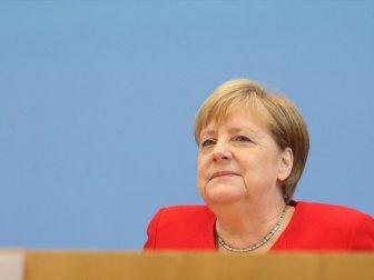 Merkel: 'Gerilimi Tırmandırmamak İçin Diplomatik Her İmkan Kullanılmalı'