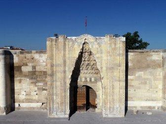 'Sultanhanı Kervansarayı'ndaki Restorasyon Projeye Uygun Yapıldı'