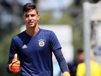 Fenerbahçe, Kaleci Berke Özer'i Westerlo'ya Kiraladı