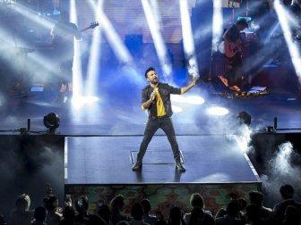 Ünlü Şarkıcı Tarkan Harbiye'de Hayranlarıyla Bir Araya Gelecek