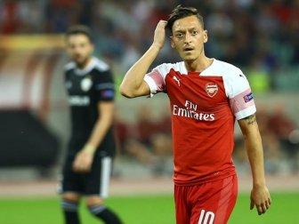 Arsenal Teknik Direktörü Emery'den 'Mesut Özil' Açıklaması
