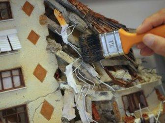 Deprem Gerçeğine Rölyef Tablosuyla Dikkati Çekiyor