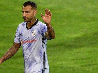 Beşiktaş'ın Portekizli Futbolcusu Quaresma'dan Açıklama