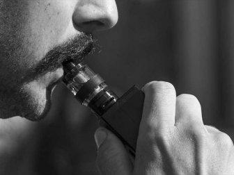 Elektronik Sigara Akciğere 'Tatlı Tatlı' Hasar Veriyor