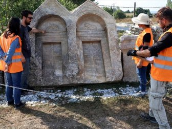 Romalılar Çekilen Acıları Şiirlerle Mezar Taşlarına Kazımış