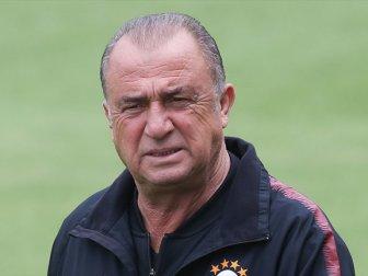 Galatasaray Teknik Direktörü Fatih Terim'in Cezası 3 Maça Düşürüldü