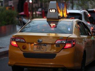 New York'un Sarı Araç Plakalarını Mahkumlar Yapıyor