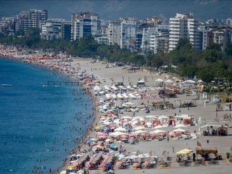 '1,5 Milyon Ukraynalı Turistten 700 Bini Antalya'da'