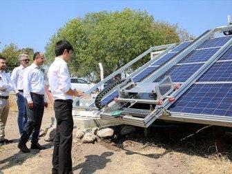 Kirlenen Güneş Panellerini Robot Temizleyecek