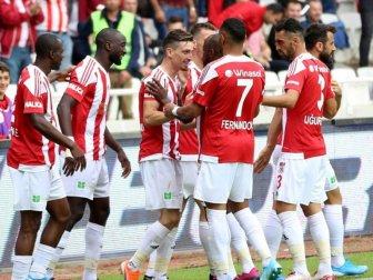 Demir Grup Sivasspor Evinde Farklı Kazandı