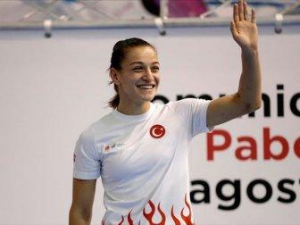Buse Naz Çakıroğlu Boks Şampiyonası'nda Finale Yükseldi