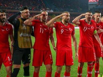 Milli Sporculardan Mehmetçik'e Asker Selamı