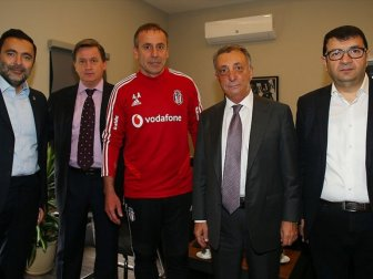 Beşiktaş Kulübü Başkanı Çebi: 'Abdullah Avcı'yla Bu Yola Devam Edeceğiz'
