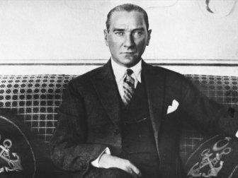 Büyük Önder Gazi Mustafa Kemal Atatürk 81 Yıldır Özlemle Anılıyor