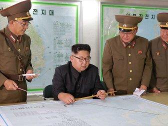Kuzey Kore Askeri Tatbikat Düzenledi