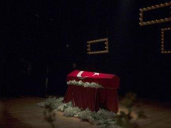 Usta Oyuncu Yıldız Kenter İçin Kenter Tiyatrosunda Tören