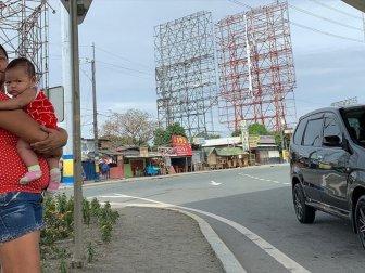 Filipinler'de Kammuri Tayfunu Nedeniyle 43 Bin Kişi Tahliye Edildi