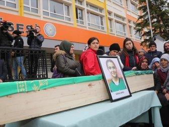 Trafik Kazasında Yaşamını Yitiren Hentbolcular İçin Okullarında Tören Yapıldı