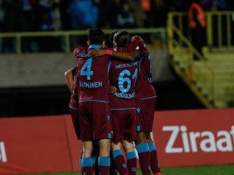 Trabzonspor Kupada Altay'ı 2-1 Mağlup Etti