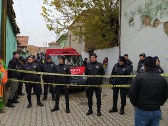 Konya'da Kerpiç Bir Evde Göçük Meydana Geldi: 2'si Çocuk 3 Kişi Hayatını Kaybetti
