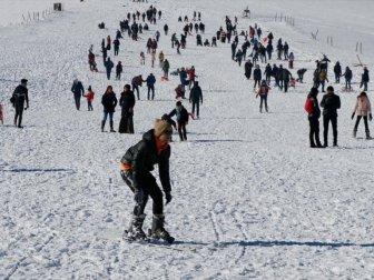 Karacadağ Kayak Merkezi'nde Yoğunluk Başladı