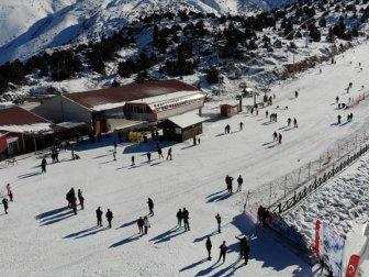 Ergan Dağı Kayak Merkezi'nde Hafta Sonu Yoğunluğu