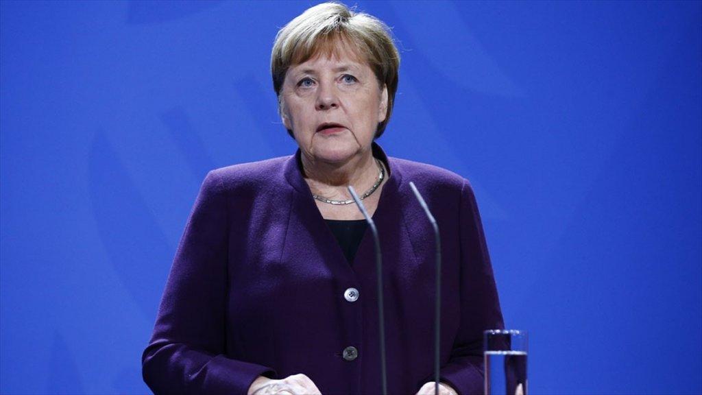 Merkel, Thüringen Eyaletindeki Başbakan Seçimini Eleştirdi