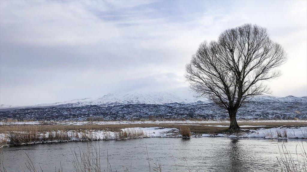 Türkiye'nin En Büyük Milli Parkı  Ağrı Dağı Milli Parkı Beyaza Büründü