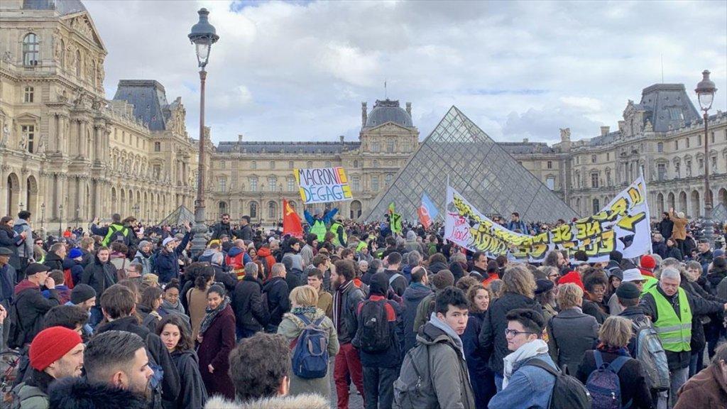 Fransa'da  Emeklilik Reformu Protestosu
